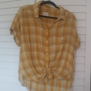 American Eagle Yellow Button Up